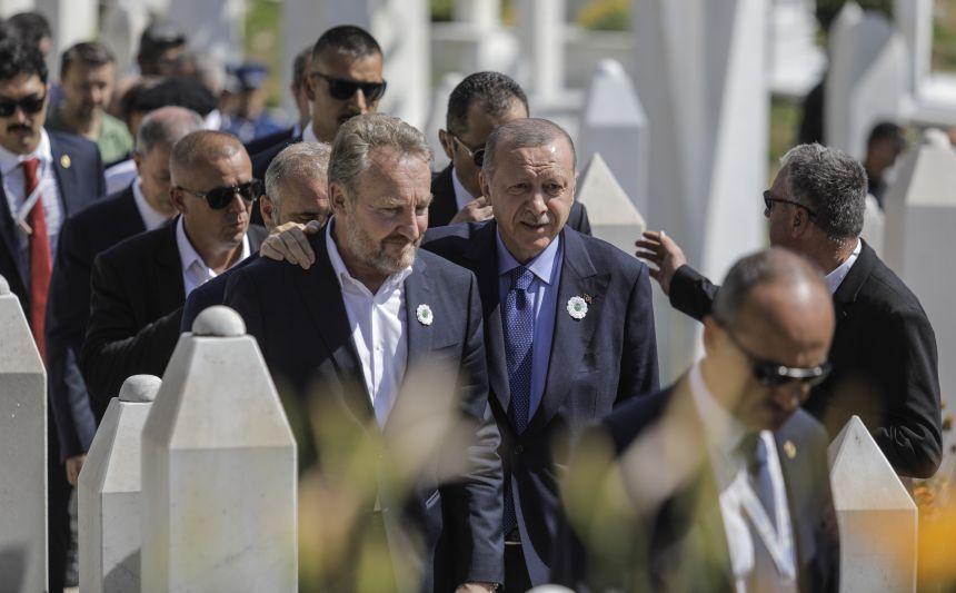 Potezanje oružja Erdoganovaca na djelatnike zračne luke u Sarajevu