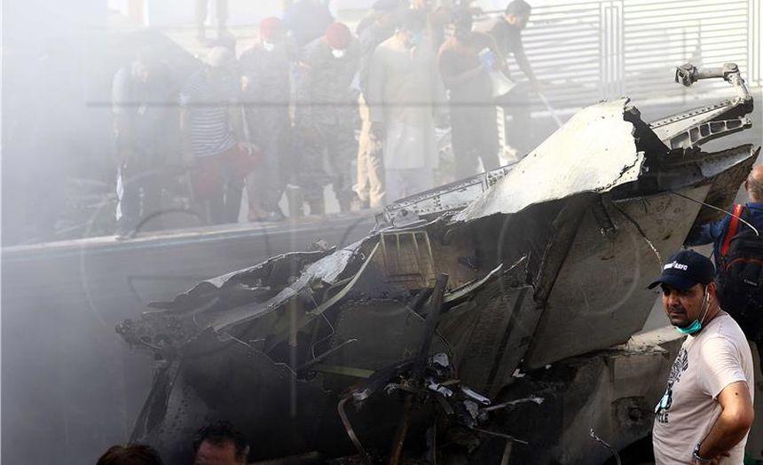 97 poginulih u zrakoplovnoj nesreći u Pakistanu – dvoje preživjelih