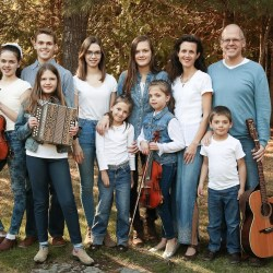 Family of 11 Embark on Faith-Filled Canadian Tour