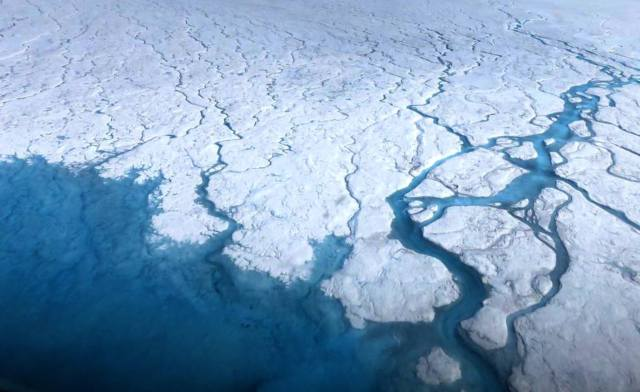 Melting cryosphere in Greenland