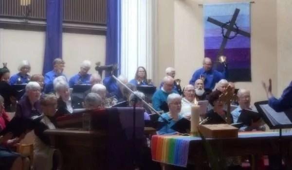 Joyful choirs in unison!