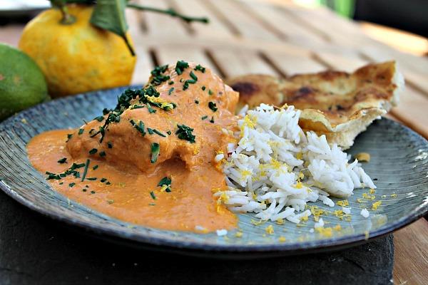 Sydindisk fisk i karry med ris