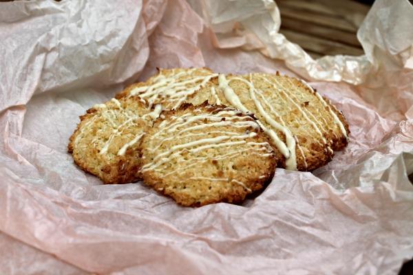 Marcipan – kokos cookies – min søn bager