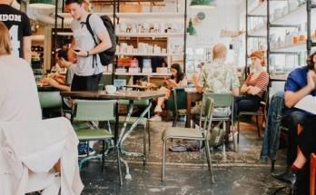 Ανοίγουν τα καφέ στην Ελλάδα