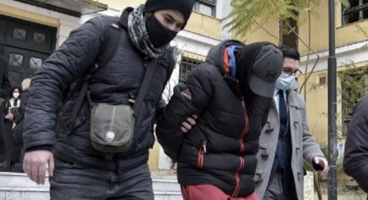 Για ανθρωποκτονία κατηγορούνται οι δυο νεαροι