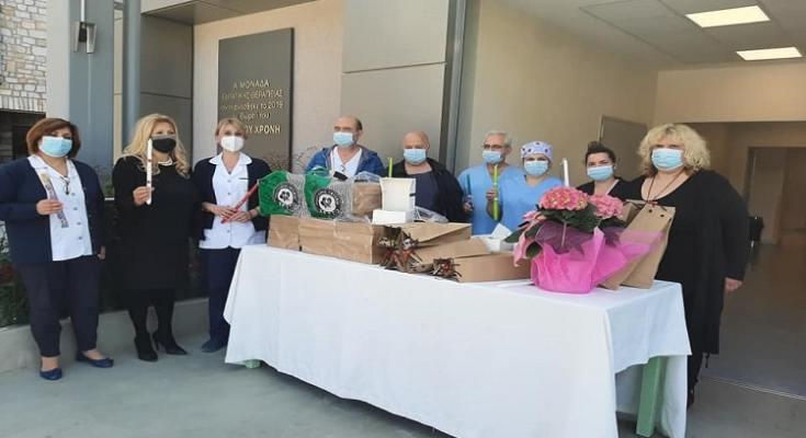 Γλυκά και ευχές από τον Δήμο Δέλτα στα νοσοκομεία