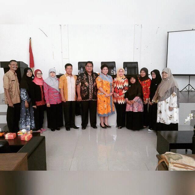 Maryam Qonita saat sosialisasi dengan LSM Satu Hati