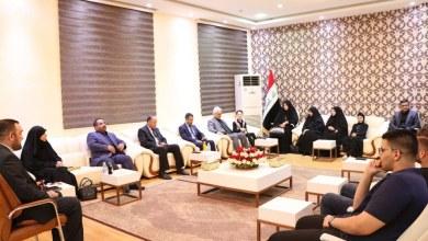 Photo of حكومة كربلاء تكرم طلبتها الاوائل على العراق بهدايا ثمينة