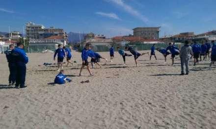 Фото – Пандевци во Виареџо со тренинг на плажа и релакс во море