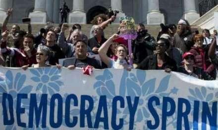 Протест во Вашингтон против парите во политиката