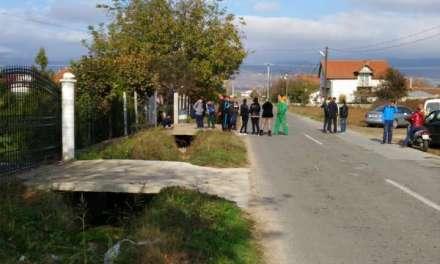 Жителите на Петралинци најавуваат блокада на патот кон Берово ако не добијат тротари