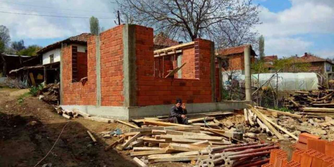 Се гради нов дом за брачниот пар Трајкови од Дедино