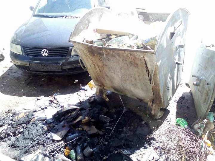 Фото: Запален отпад од контејнер во Радовиш ќе изгореше возило пасат