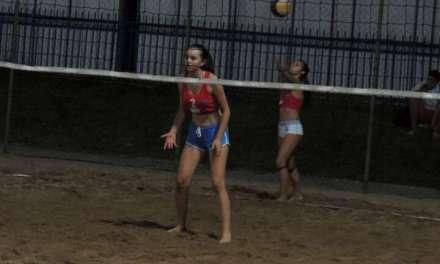 Видео – Во Струмица турнир во одбојка на песок за мажи и жени- финалните пресметки утре