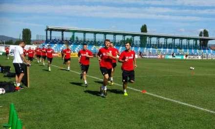 Фото – Македонската фудбалска селекција го осети ,, Младост,, пред утрешниот дуел со Албанија