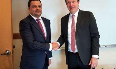 Средба на вицепремиерот Кочо Анѓушев со сенаторот Кристофер Марфи: Владеењето на правото е предуслов за привлeкување на странскиот капитал