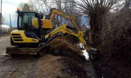Се чистат каналите во Дабиле