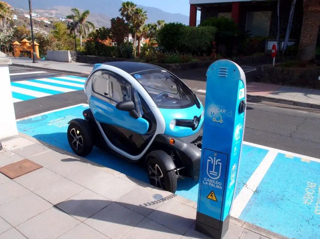 Fahrzeug - Elektroflitzer TWIZY