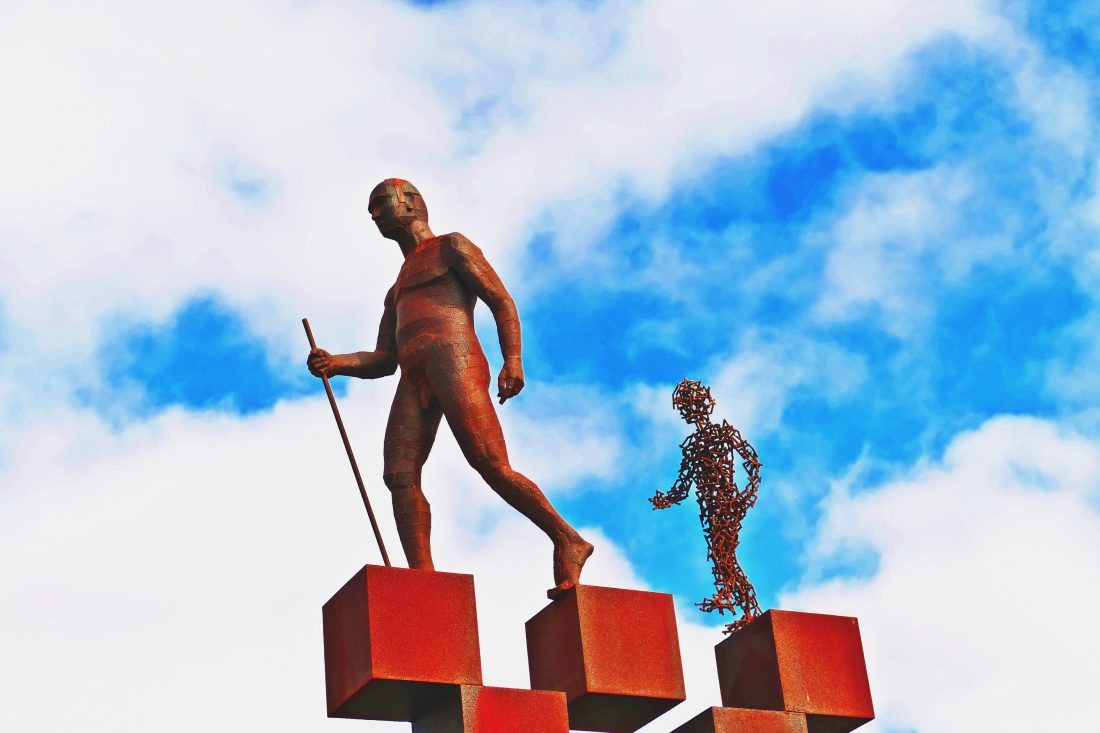 Skulptur - Der Wanderer