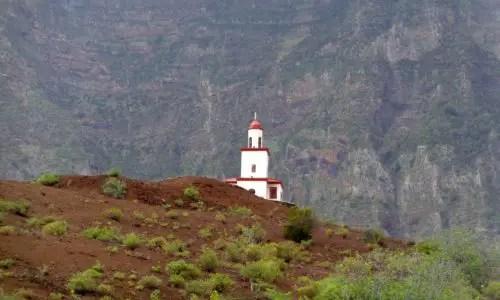 Glockenturm auf dem Vulkan