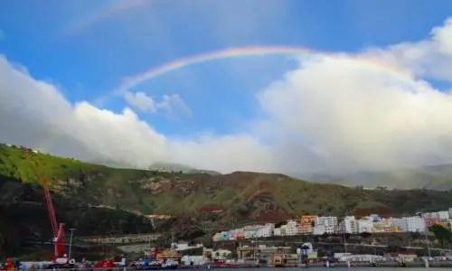 Regenbogen über der Hauptstadt