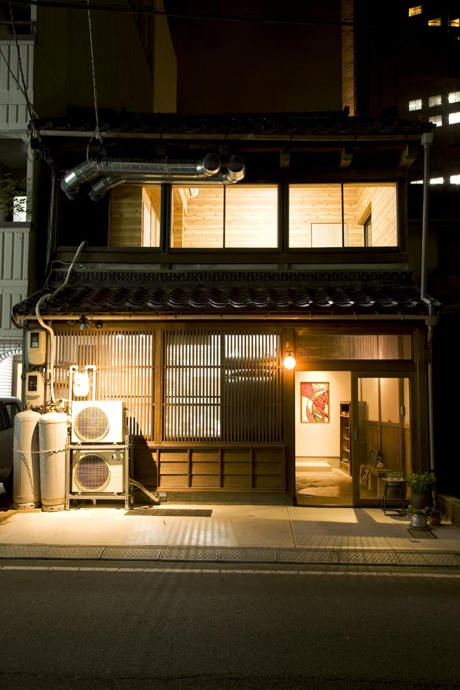 【開店】約150年間の歴史を感じる落ち着いた雰囲気で、厳選された料理と良質なお酒を楽しむ場 @ 金沢町家 はっち