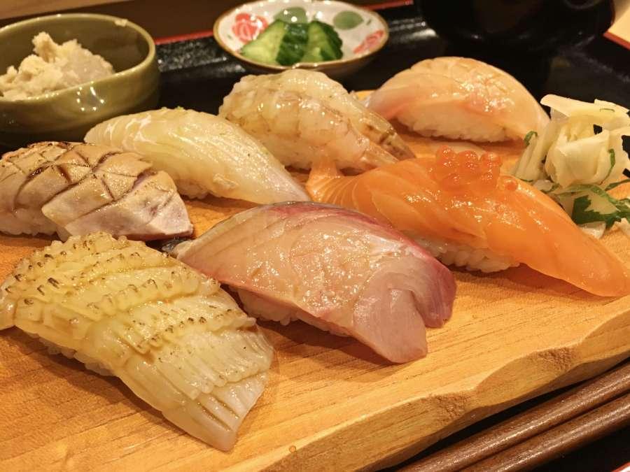 『すし酒菜 なかむら』。地元っ子が通う隠れ家的なお寿司屋さん