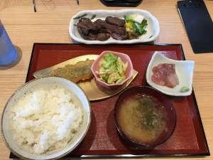 今話題‼︎ 牛たん食堂10&10 でガッツリランチ !!