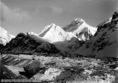 VITTORIO SELLA 1899 | Contrafforti occidentali del Kanchenjunga dal lato destro del ghiacciaio Kanchin