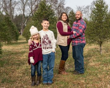 christmas-tree-farm-family-session-001