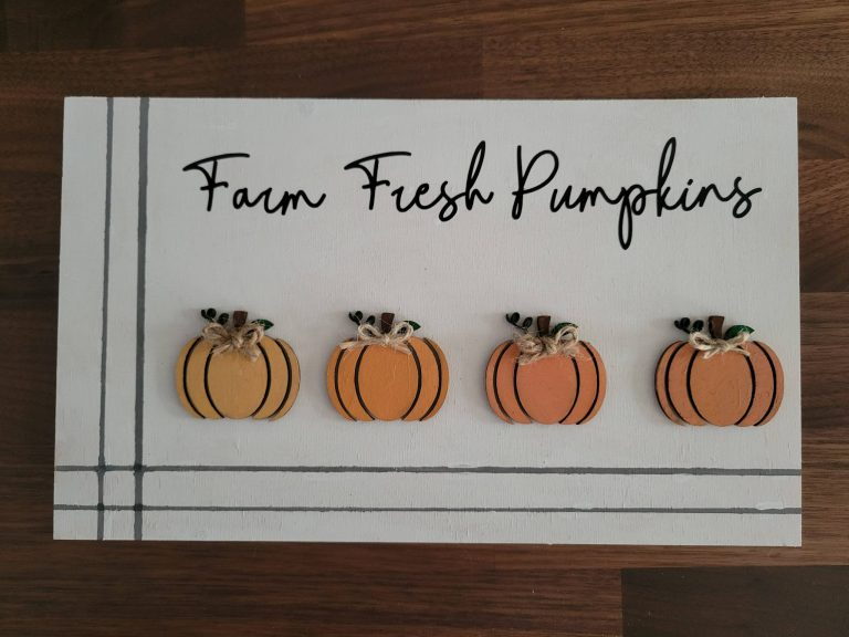 Read more about the article Farm Fresh Pumpkin Sign