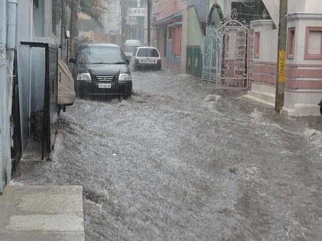 火災保険は水災もカバーします。水災への備えは必要か?