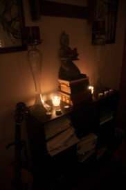Candles & dim lighting kept us calm and relaxed for a very peaceful transition from early to active labor.