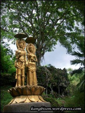 bentuk patung emas yang ditemukan di goa seplawan purworejo