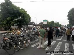 komunitas sepeda sragen yang turut meriahkan car free day Sragen