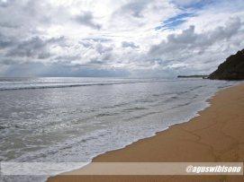 pasir putih pantai pok tunggal