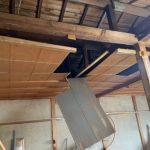 旧天井の解体撤去