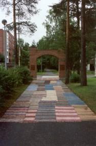 2002 KANKAAN PÄÄT Kaarina Kellomäki Askeleita ja ajatuksia.tif