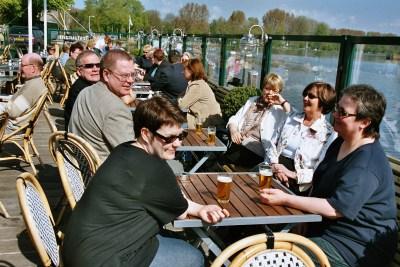 2004 Amsterdam 157 terassilla