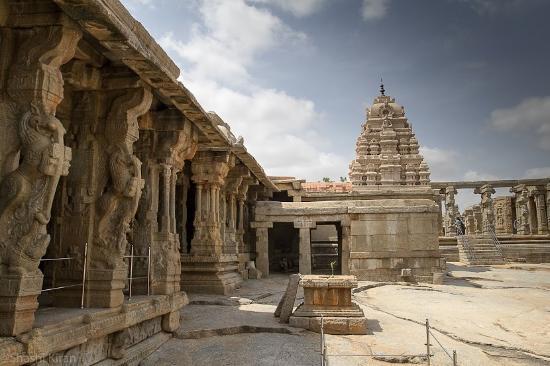 veerabhadra-temple-prangana