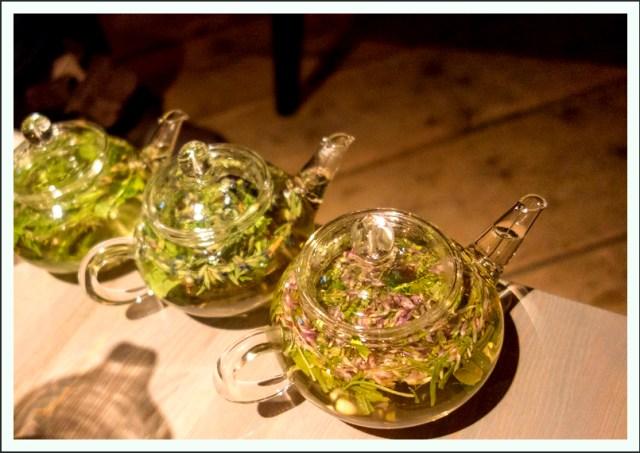 Herbal infusion Kräutertee Tee Aufguss