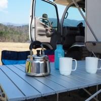 キャンピングカーレンタル テーブルセットとコーヒータイム