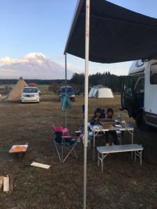 ふもとっぱらキャンプ場とキャンピングカーレンタル滋賀 カノアカーレンタル