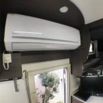 夏場の最強設備家庭用エアコン レンタル車両でここまでの設備はなかなかありません 良く冷えますよ~♪ キャンピングカーレンタル滋賀カノアカーレンタル 東和モータースヴォーンR2B