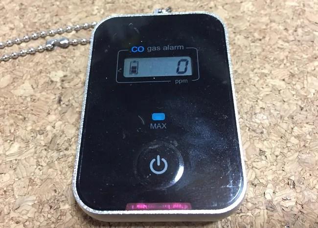冬の薪ストーブキャンプにはDODの一酸化炭素チェッカーが必須