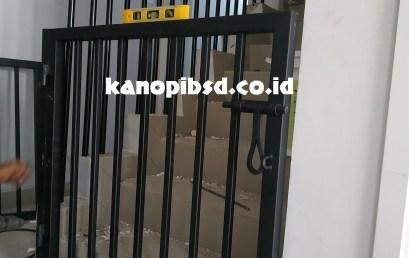 Pintu Pengaman Tangga (Baby Safety Gate)