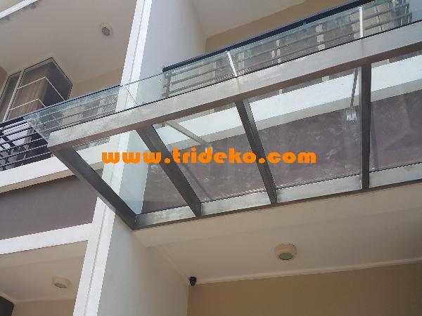 canopy kaca teras