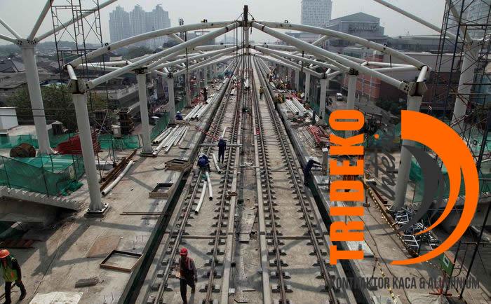 Pengerjaan Halte LRT Rawamangun - Kelapa Gading
