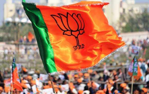 भाजपा नेताओं ने चुनाव के दौरान पानी की तरह पैसा बहाया