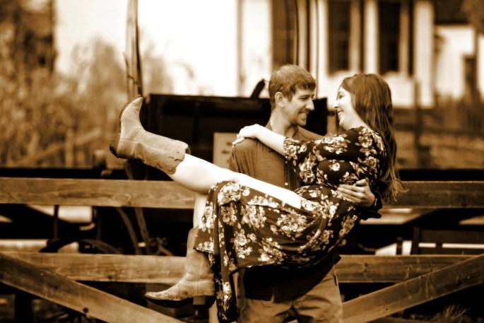 Lindsey & Dan Fall (4)